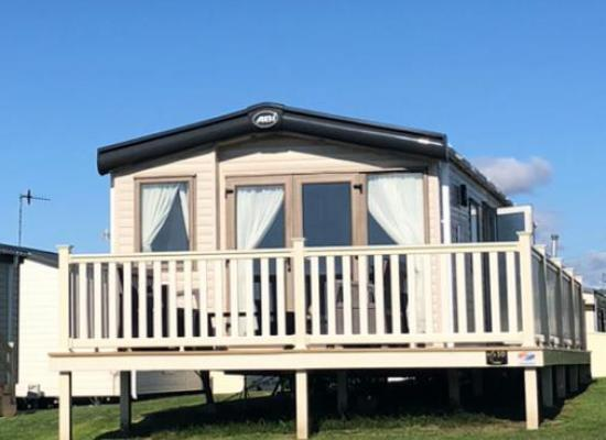 ref 2185, Cayton Bay Holiday Park, Scarborough, North Yorkshire