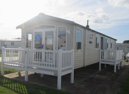 ref 3729, Hopton Holiday Village, Great Yarmouth, Norfolk