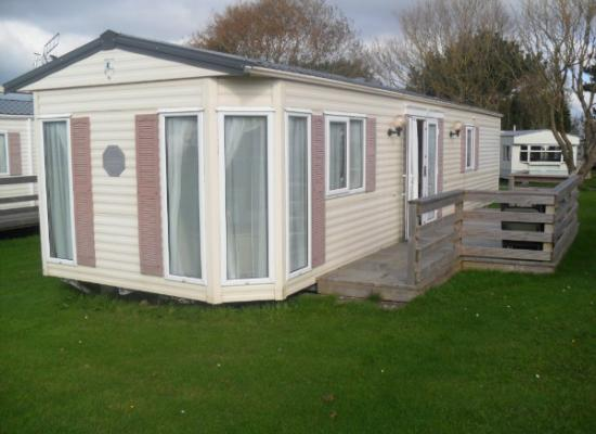 ref 555, Seven Bays Park, Padstow, Cornwall (West)