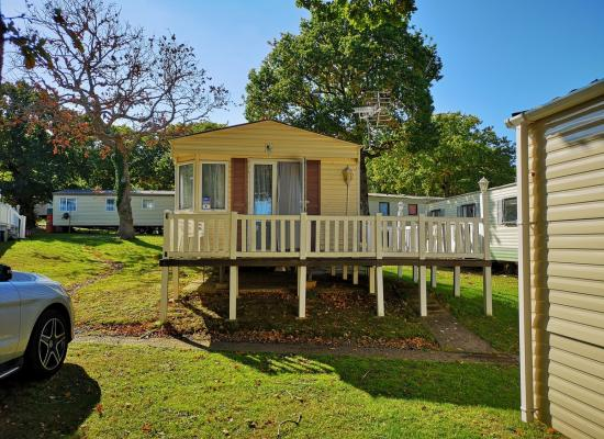 ref 8221, Thorness Bay Holiday Park, Cowes, Isle Of Wight