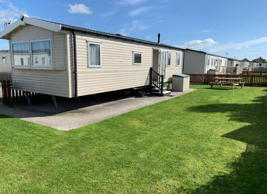 ref 9993, Unity Holiday Resort, Brean Sands, Somerset